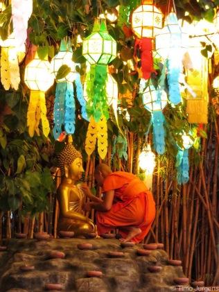 Ceremony preparation Wat Phan Tao